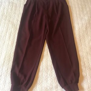Gap pleated crepe joggers
